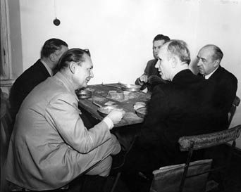 the-fourth-reich-goreing-doenitz-funk-having-lunch-during-the-nuremberg-trials