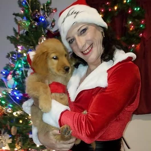 Photos Extra Tina and Dog 48430002_2009962829084725_4151471669841494016_n