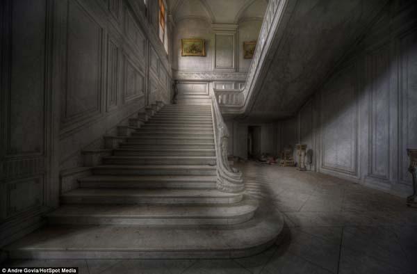 Photos Extra Creepy Old Mansion 83782137